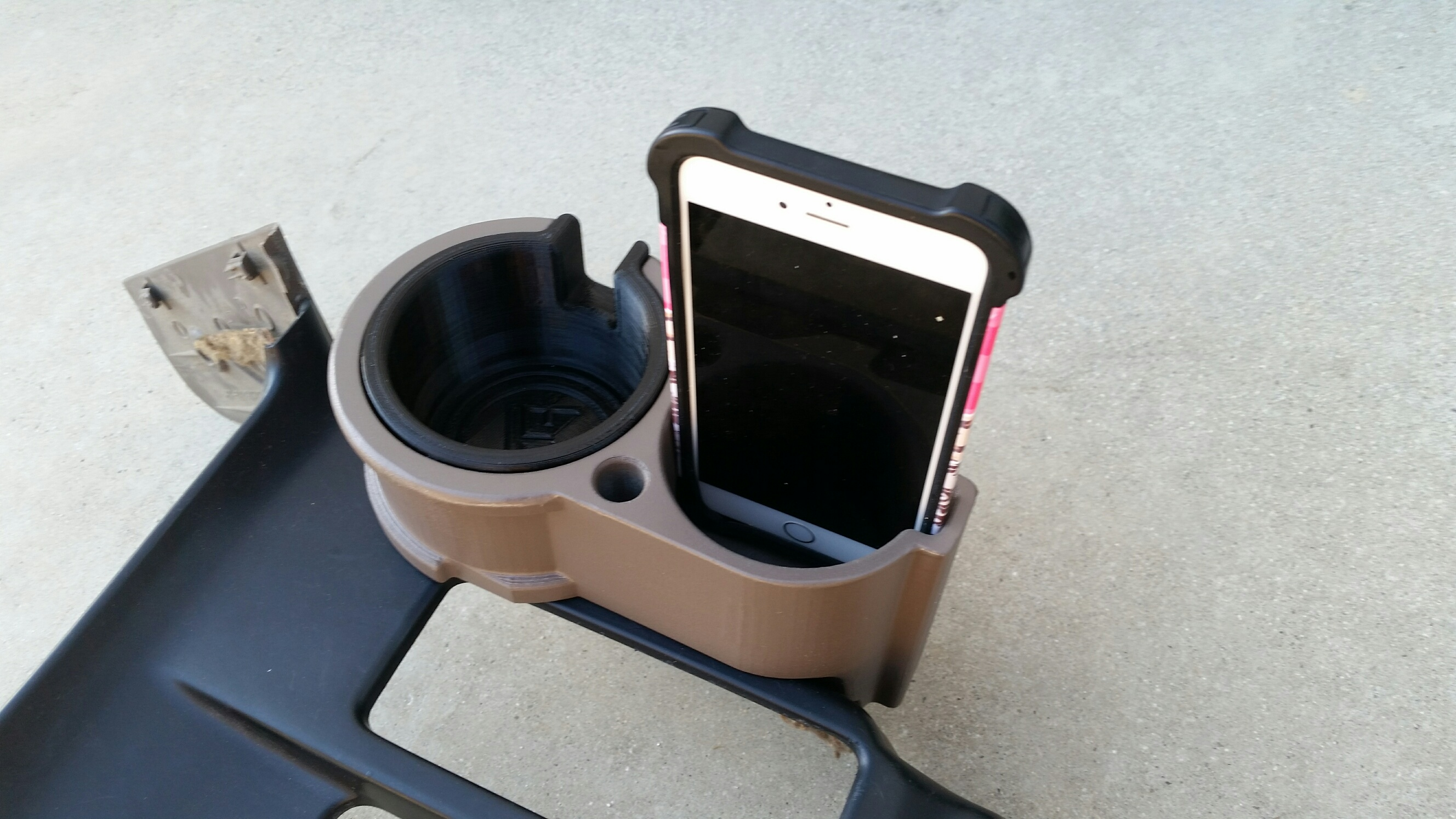 3rd Gen 4Runner Double CupHolder 96-02 – BH3D Printing